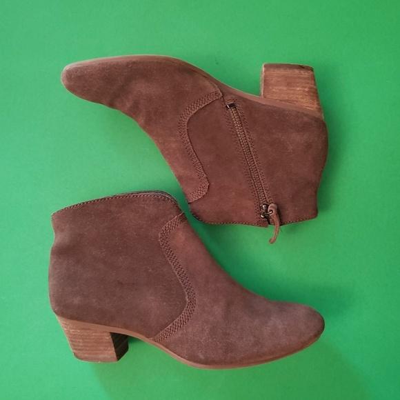 Qualität und Quantität zugesichert klassisch beste Auswahl an Clarks Softwear Shoes Booties Brown Suede 5